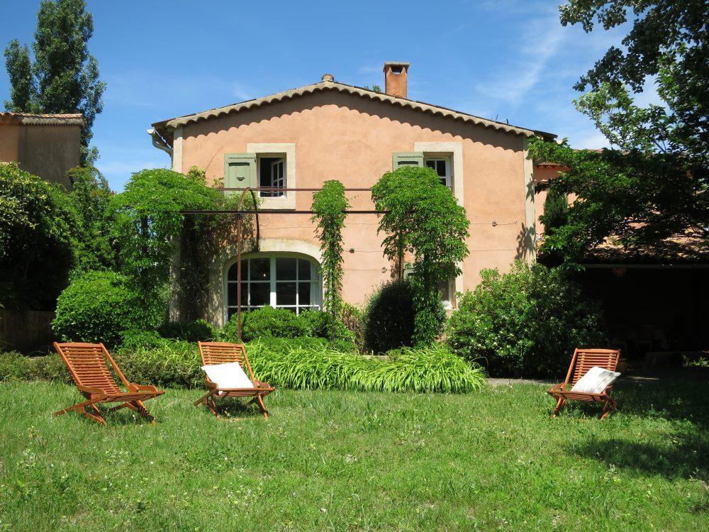 Mas du Luberon à Céreste, location pour 4-6 personnes avec jardin privatif