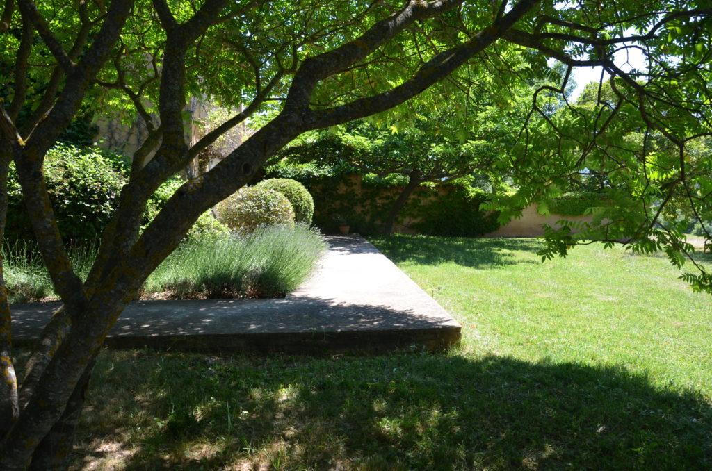 jardin privatif arboré